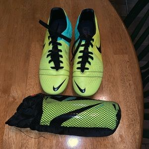 Nike CTR360 Maestri soccer cleats + shin guards